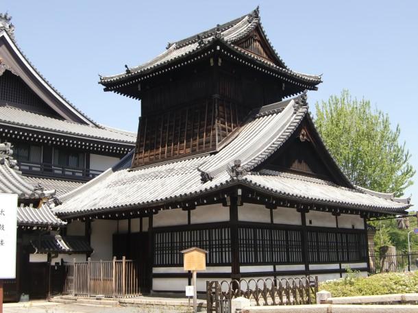 西本願寺 太鼓楼